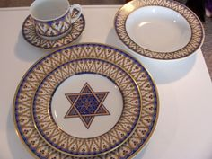 AMERICAN ATELIER 'TRADITIONS' CHINA 5 PIECE PLACE SETTING  JUDAICA PASSOVER