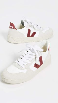 476163361260b Veja V-10 Lace Up Sneakers  Veja Sneakers Lace