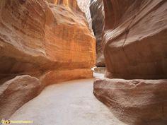 La gola che porta al Tesoro di Petra