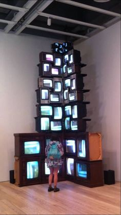 Nam June Paik, V-yramid, 1982, Forty televisions and video, colour, sound