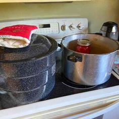 How to Can Tomatoes: Water-Bath and Pressure-Canning Heirloom Tomato Seeds, Heirloom Tomatoes, High Acid Foods, Simmering Water, Canning Whole Tomatoes, Tomato Season, Canning Lids, Tomato Garden, Pressure Canning