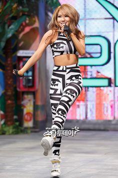 276 Meilleures Images Du Tableau People 2ne1 Korean Girl Groups