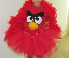 Halloween costume for Yasmin! One red tutu, a red feather boa and a red tshirt with appliqué.