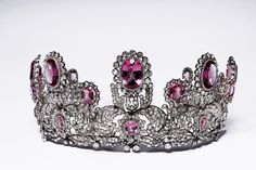 This tiara was worn by Princess Marie of Waldeck on the day of her marriage to King William II of Württemberg.