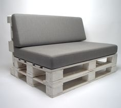 Palettenkissen Sitzpolster Farbe Anthrazit - In & Outdoor - Palettenpolster - Paletten Rattanmöbel Polster Diy Furniture Couch, Balcony Furniture, Recycled Furniture, Unique Furniture, Pallet Furniture, Recycled Wood, Pallet Cushions, Pallet Lounge, Diy Pallet Sofa
