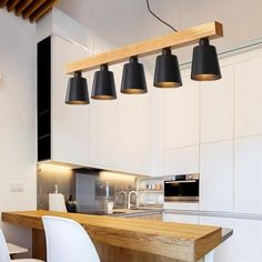 Your kitchen is not just essentially the most important parts of the house, but also determinesthe actual resale worth your room. Wood Pendant Light, Kitchen Pendant Lighting, Pendant Lights, Wood Floor Pattern, Kitchen Table Makeover, Cute Kitchen, Kitchen Items, Kitchen Dining, Dining Room Design