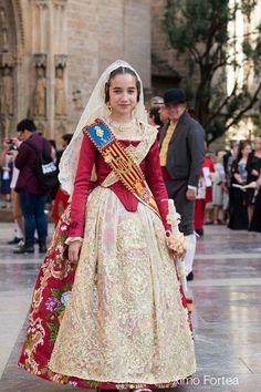 Fallera Folk Costume, Costumes, Ethnic Fashion, Historical Clothing, Traditional Dresses, 18th Century, The Past, Sari, Culture
