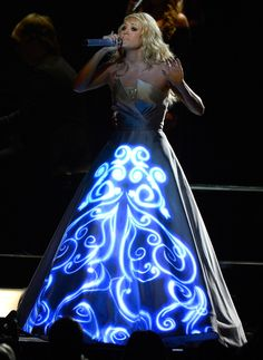 Carrie Underwood Performing | Carrie Underwood 2013 Grammys Performance