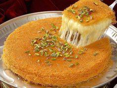 kiounefe Arabic Dessert, Arabic Sweets, Arabic Food, Turkish Dessert, Indian Dessert Recipes, Greek Recipes, Types Of Soft Cheese, Vermicelli Recipes, Middle Eastern Desserts