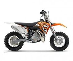This 2011 KTM 50 SX Mini Dirt Bike available in Alabama is one of the best deals online today. It simply is a great value for money product available as the bike is in great condition (almost brand new) with hardly any tampers or scratches. This mini bike is one of the most perfect bikes for beginners and at the listed price; it is a real throw away. A single-cylinder, 2-stroke water-cooled engine churning out a displacement of 49 cc is all that you want from a mini bike.