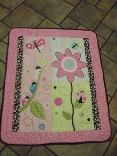 Baby Quilt Pink Daisy by OutoftheClosetQuilts on Etsy, $30.00