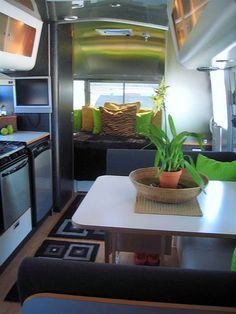Awesome 202 Modern Interior Ideas for RV Camper https://modernhousemagz.com/202-modern-interior-ideas-for-rv-camper/