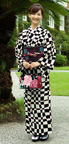 【この春の「イチ押し」きもの♪】 大人気のキスミスシリーズの新作きものと両面小袋帯の2点セットです!