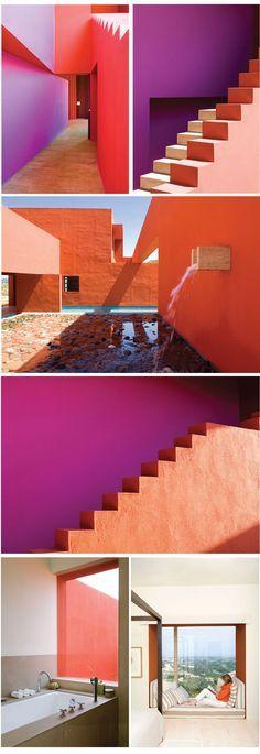 El colorido de la arquitectura mexicana con la pureza volumétrica del movimiento moderno.