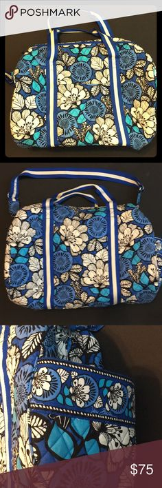 Vera Bradley weekender bag Beautiful classic LARGE Vera Bradley blue and white paisley pattern travel bag. Perfect for weekend getaways or your overhead carry on luggage! Comes with removable crossbody strap. Light stain in the front near the pocket. Vera Bradley Bags Travel Bags