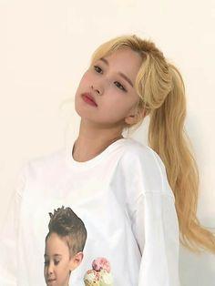 Nayeon, South Korean Girls, Korean Girl Groups, My Girl, Cool Girl, Talia, Oppa Gangnam Style, Sana Momo, Twice Kpop