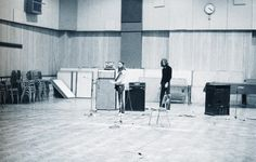 """David Gilmour recording """"Wish You Were Here"""" at Abbey Road Studios, 1975"""