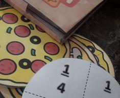 Μια εύκολη κατασκευή όπου φτιάχνουμε αν θέλουμε ένα κουτί πίτσας και κει βάζουμε τις πίτσες μας. Πίσω από την κάθε μία κολλάμε τα κλάσματα... Plastic Cutting Board, Blog, Blogging