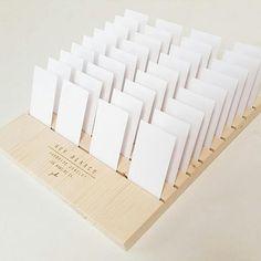 Hoi! Ik heb een geweldige listing op Etsy gevonden: https://www.etsy.com/nl/listing/540819601/personalized-jewelry-card-display-for