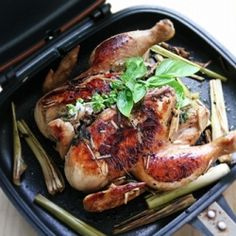 Grilled Chicken With Lemongrass and Basil Leaves using Happy Call Pan