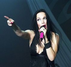 wishmastersbr:  WishmastersBR FehPriester:Tarja e suas caretas.Recém-tirada da COLOURS ON THE ROAD 2014.Tarja and her faces.Taken from COLOURS ON THE ROAD 2014  Post by Passion and the Opera