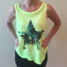 Vintage Havana tank  Really cute crop tank in excellent condition Vintage Havana Tops Tank Tops