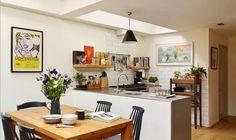 Kitchen layout and 'enclosure' using the peninusla