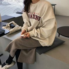 """""""Really not talked about but I think Asians have one of the best style, particularly Koreans"""" Ulzzang Fashion, Asian Fashion, Look Fashion, Street Fashion, Winter Fashion, High Fashion, Mode Outfits, Winter Outfits, Fashion Outfits"""