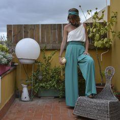 Los pantalones palazzo, una perfecta opción para un outfit de boda... http://15colgadasdeunapercha.com/2014/05/21/de-boda-en-boda-y-tiro-porque-me-toca/#more-12563  Palazzo pants : a perfect choice for a wedding outfit... http://15colgadasdeunapercha.com/2014/05/21/de-boda-en-boda-y-tiro-porque-me-toca/#more-12563