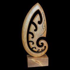 Large Kauri Koru Sculpture by Kerry Thompson – The Bone Art Place Dremel Carving, Wood Carving Art, Bone Carving, Abstract Sculpture, Wood Sculpture, Polynesian Art, Bone Crafts, Birdhouse Designs, Maori Art