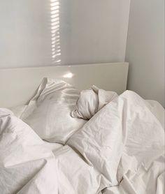 Room Ideas Bedroom, Bedroom Inspo, Home Bedroom, Bedroom Decor, Bedrooms, Aesthetic Bedroom, White Aesthetic, Dream Rooms, Dream Bedroom