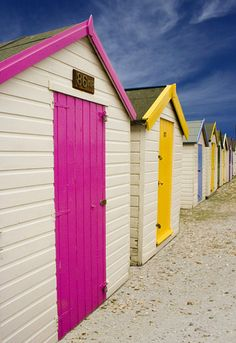beach huts, this made me think of you Barkett Barkett Freeman Beach Cottages, Beach Huts, Casas Trailer, Seaside Beach, Beach Cottage Style, Surf Shack, Little Houses, Coastal Living, Beautiful Beaches
