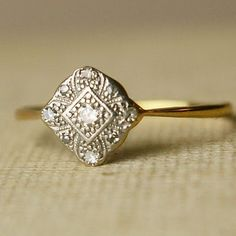 vintage rings!   This is perfect! I hope my future husband sees this!