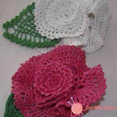 flor flamenca fucsia y blanca  ganchillo magico