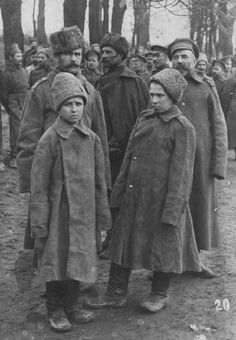 guns-gas-trenches: Russian POWs being held by the Austrians on the Eastern Front.