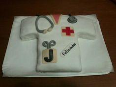 Tarta para una enfermera!! Relleno de crema de chocolate blanco.