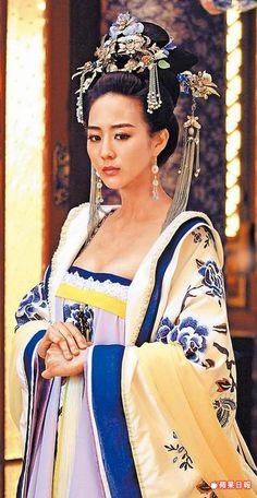 張鈞甯在《武媚娘傳奇》由愛生嫉,在後期變成反派。