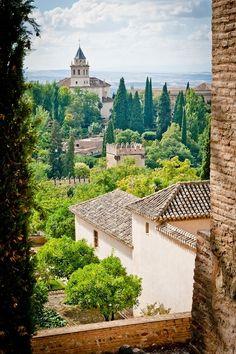 Vista de los Jardines del Generalife en La Alhambra, Granada, Andalucia Spain