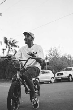 Black And White Picture Wall, Black And White Pictures, Bmx, Tyler The Creator Wallpaper, Mode Hip Hop, Style Masculin, Rap Wallpaper, Odd Future, Black And White Aesthetic