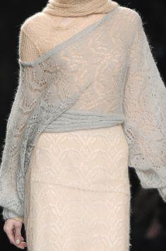 Anteprima at Milan Fashion Week Fall 2009 - Details Runway Photos Knitwear Fashion, Knit Fashion, Runway Fashion, Fall Fashion, Angora, Knitting Wool, Mohair Sweater, Milan Fashion Weeks, Knitting Designs