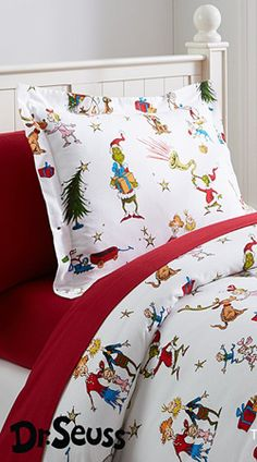 Dr. Seuss's The Grinch ~ Fun guest bedroom linens. | Christmas Decor