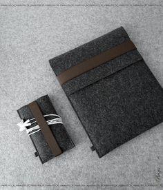 lepa temna barva iPad sleeve and iPhone sleeve FELT DUETT wool felt set for iPad and iPhone or iPod touch. $75.00, via Etsy.