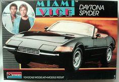 1/24 Monogram   Miami Vice Ferrari Daytona Spyder
