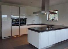 Foto: Voorbeeld keukenopstelling nieuwe huis. Geplaatst door evelien.koppejan op Welke.nl