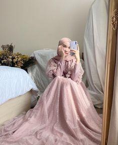 Hijab Prom Dress, Muslim Dress, Hijab Outfit, Muslim Women Fashion, Islamic Fashion, Mode Abaya, Mode Hijab, Modest Fashion Hijab, Fashion Dresses