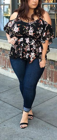 Curvy Outfits For Women // #plussize #plussizefashion #outfits