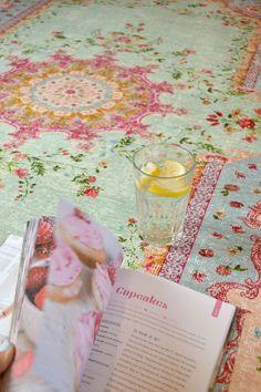 Vintage vloerkleed voor €179!! shop hem op www.nativecolorliving.com