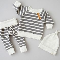 baby boys Source by wemadeldeen Baby Boys, H & M Baby, Baby Boy Suit, Baby Girl Pants, Girls Pants, Baby Jumper, Jumper Dress, Baby Outfits Newborn, Baby Boy Newborn