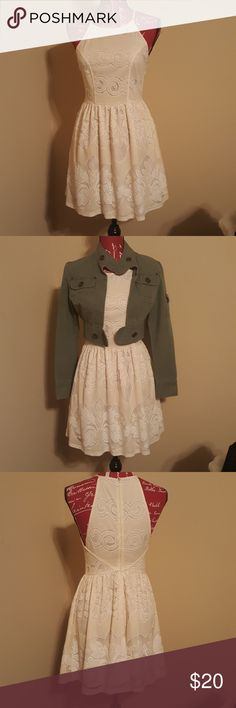 Yeatts Halts Dress Cream and Tan Size Small EUC High Neck Halter Dress Lined Cream White and Tan In Color  Would look cute paired With Ankle Booties and Jacket Or Dressed Up For Special Occasion  Approx. 13 Inches In waist Approx 32 inches From Top of Shoulder Strap To Hem Approx. 17 1/2 Inches From Waist To Hem Yeatts Dresses Mini