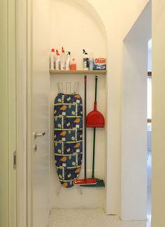 In una stanza, in bagno, in una nicchia o in un armadio... guarda come creare questo spazio utile